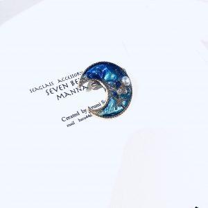 海のブローチ月(コバルトブルー)①