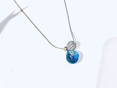 輝きのしずくネックレス(ブルー)