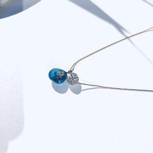 輝きのしずくネックレス(ブルー)①