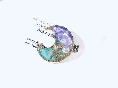 海のブローチ月(紫ターコイズ)